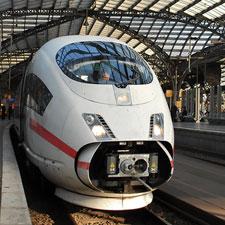 Ein stationärer Zug H. August-mueller e.K. Schraubensicherungslack
